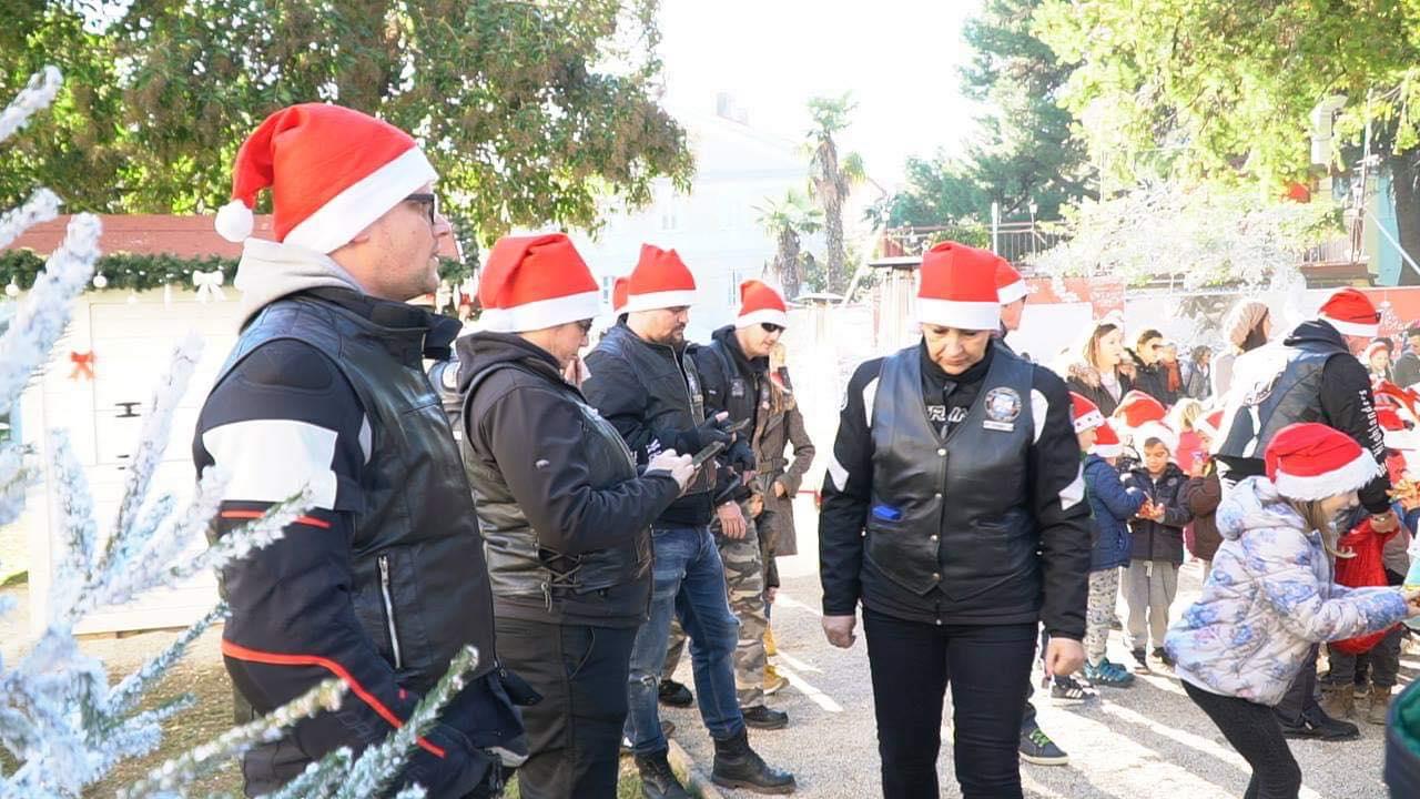 Djed Mraz u Poreč došao s bajkerima